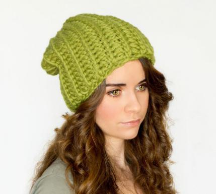 шапка из толстой пряжи спицами резинка для самых маленьких и не
