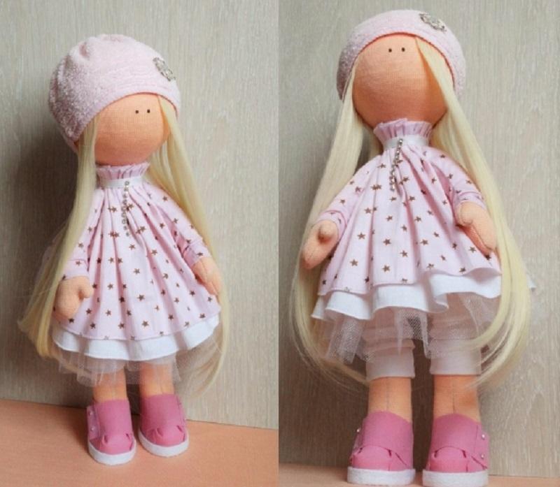 Patrón de una muñeca con piernas sólidas. Accesorios y apariencia ...