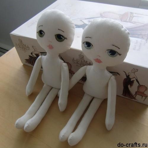 Как сделать из ткани кукол 5