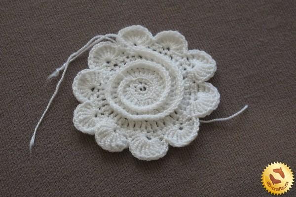 Объемные цветы крючком схемы и 79
