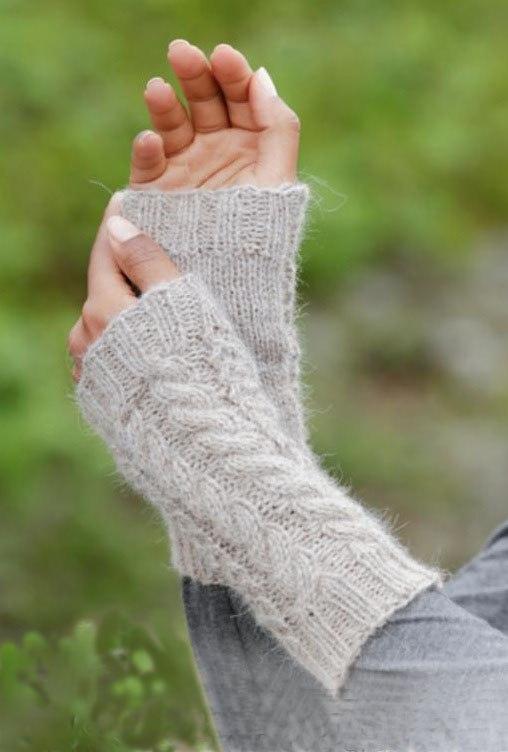 Mitones con un patrón de tejido elástico para principiantes. Cómo ...